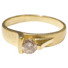 Elegant Diamond Ring 18K Y-Gold - Cultivated Style in Two-Tones