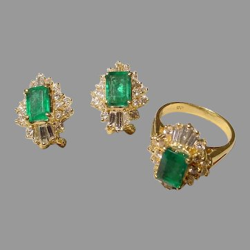Passionate Emerald -Cut Emerald Diamond Ring & Earrings Set 18K YG 70's