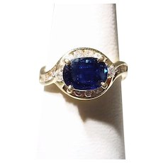 Bright Blue Sapphire Diamond Ring 18K