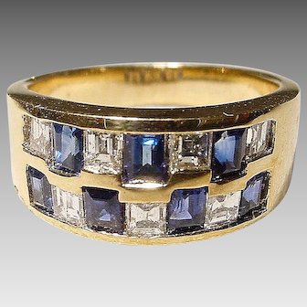 Awesome Patterned Squared Sapphire Diamond Ring 18K Y-Gold - Art Deco Neutral Band