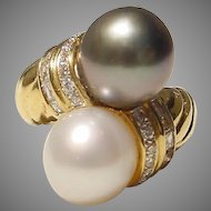 South Sea White Pearl & Tahitian Black Pearl Ring - Diamonds & 18 KT Yellow Gold Band - Classic Bypass