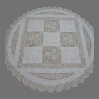 """Vintage 60"""" Round White Filet Lace Embroidered Tablecloth"""