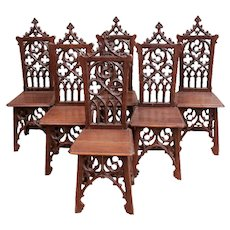 Beautiful and Well Carved set of 6 Gothic Dining Chairs, 19th Century, Oak