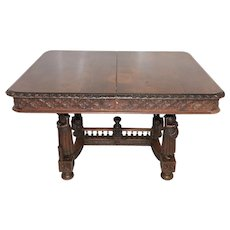 French Breton table with carved statues in Oak dating from 1900-1910