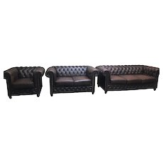 Nice Clean Leather Chesterfield Salon Set, 3 pieces