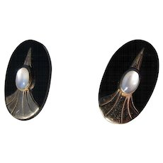 Beautiful Art Deco 14 kt. Gold Black Onyx Moonstone Earrings    C.1930
