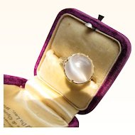 Beautiful 14 kt. Gold Art Deco Moonstone Ring    C.1920