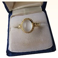 Vintage 18 kt. Gold Moonstone Ring         C.1960
