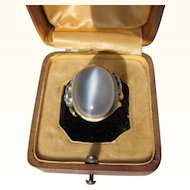 Beautiful Vintage  18 kt. Gold Moonstone and Diamonds  Ring    C.1960