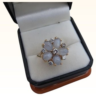 Beautiful Vintage 14 kt. Gold Moonstone & Diamonds Ring  C.1960