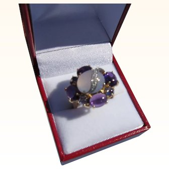 Beautiful Vintage 10 kt. Gold Moonstone & Amethyst & Diamonds Ring   C.1960