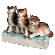 19th-Century Staffordshire 'The Triple Alliance' Kittens Figural Statue, Cats