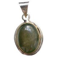 Vintage sterling silver jadeite cabochon pendant