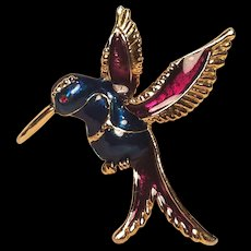 Beautiful Enamel Humming Bird in Flight Pin