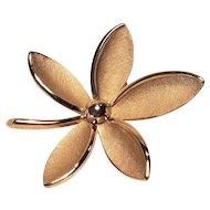 Vintage Crown Trifari Gold Tone Flower Pin