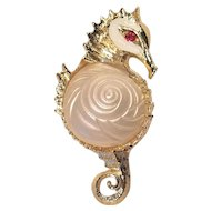 Vintage Sea Horse Gold Tone Pin With Lucite Embossed Shell