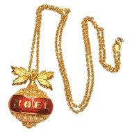 Vintage Avon Noel Christmas Ornament Pendant With Simulated Pearls Necklace