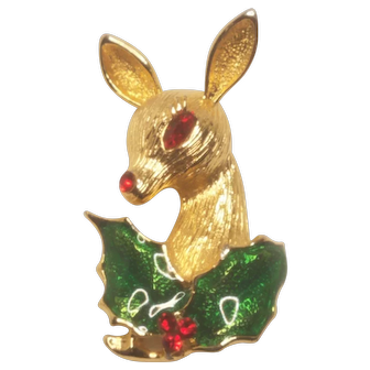 Vintage Christmas Pin Unsigned MYLU Deer With Holly
