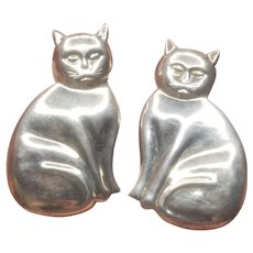 Vintage Silver 925 Sitting Cat Pierced Earrings