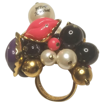 Vintage Betsy Johnson First Date Marilyn Lips Kiss Cluster Ring Size 8