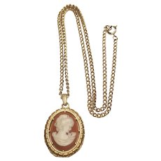 Vintage Lucite Cameo In Gold Tone Metal Victorian Style Necklace