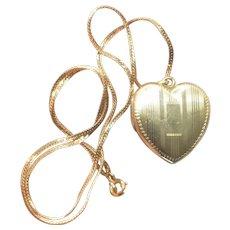 Vintage 12K Gold Filled Heart Locket Krementz Chain