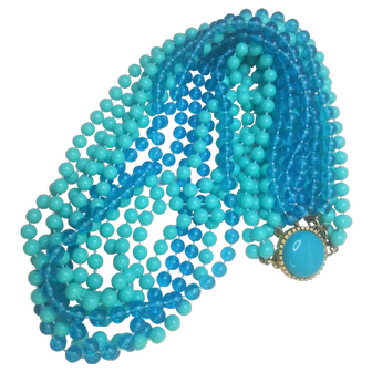 Vintage Lucite Turquoise Colored And Beautiful Blue Beaded  Necklace