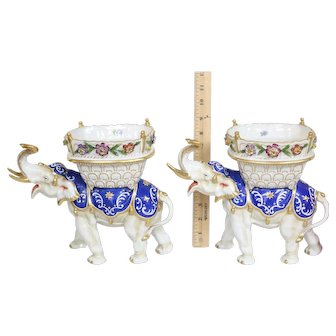 Pair Of Rare Very Detailed White Elephant Figurines Hand Painted Schierholz