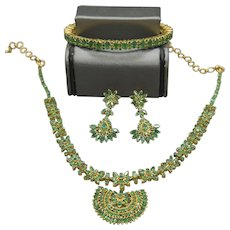 STUNNING 22k Vintage Kundun Natural Emerald Traditional Indian Wedding Jewelry Suite - 76.4 grams