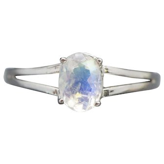 0.75ct Rainbow Moonstone Solitaire Split Shank Ring in 18k White Gold Size 7