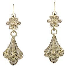 Antique Victorian Floral Filigree Dangle Earrings in 14k Yellow Gold