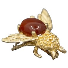 Vintage Red Jade Bumble Bee Pin Brooch in 14k Yellow Gold