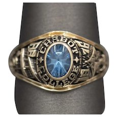 Chabot College 1976 Class School Ring with Synthetic Spinel in 10k Yellow Gold
