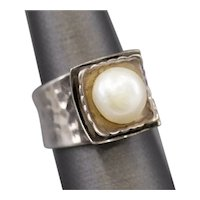 Freshwater Pearl and Sterling Silver Pagoda Ring Size 7