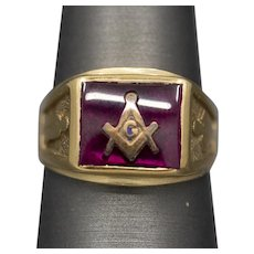 Vintage Masonic Ring with Synthetic Red Ruby in 10k Yellow Gold
