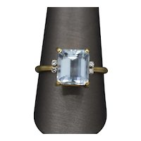 Sparkling Icy Aquamarine and Diamond Classic Ring in 14k Yellow Gold