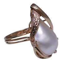 Larger lovely mabe Pearl ring 14kt rose gold set with diamond size 8