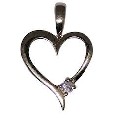 Delicate heart pendant with diamond, 14kt gold, excellent estate