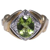 14kt gold ring set with an oval Peridot size: 8.25