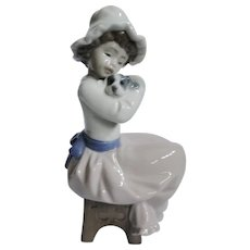 NAO figurine of girl with puppy from 1987, excellent condition, Lladro