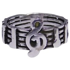 Vintage sterling silver musical note band ring, size: 5.75