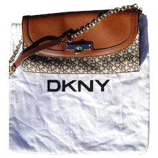 Vintage Donna Karan, DKNY, signature clutch purse with felt bag, excellent condition