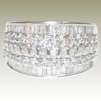 Ravishing 2.00ctw Round & Baguette Cut Diamond Engagement, Anniversary or Statement Ring in 10K White Gold - FREE INTERNATIONAL SHIPPING