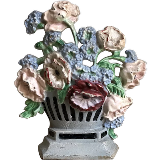 """Charming Vintage Hubley Cast Iron """"Poppies and Corn Flowers"""" Doorstop #265"""