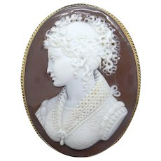 Victorian 18k Yellow Gold Carved Shell Cameo Woman Dress Brooch Pin Pendant