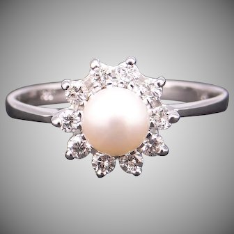 Adorable 14k White Gold 5.5mm Cultured Pearl .30ct Round Diamond Cluster Halo Ring Size 10