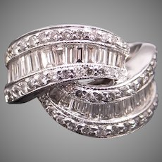Striking 18k White Gold 2.60ct Round Baguette Diamond 15mm Wave Dome Band Ring Size 5.5