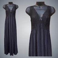 Gorgeous Black Nightgown Lace Bodice Size Medium NOS