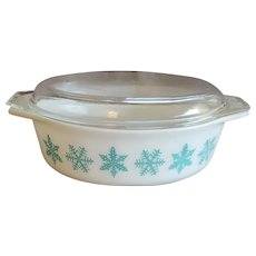 Pyrex Casserole Dish with Lid Snowflakes Turquoise 1956