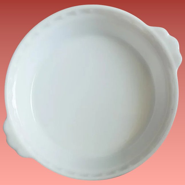Click to expand & Vintage Pyrex Milk Glass Pie Plate Fluted with Handles 8 -1/2 Inch ...